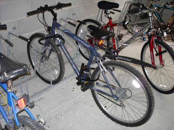 自転車の いい自転車 盗まれる : 前後輪を固定したmy自転車 ...